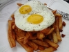 Frites with egg
