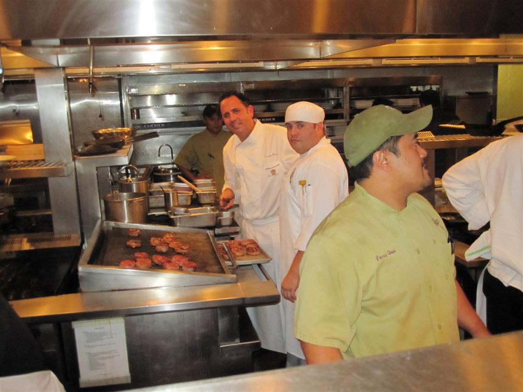 Roy 39 S Aloha Kitchen Challenge Eating Las Vegaseating Las